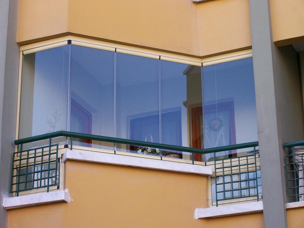 Cam Balkon İle Evler Şık, İşyerleri Çağdaş