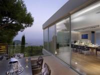 cam balkon modern bir görünüm